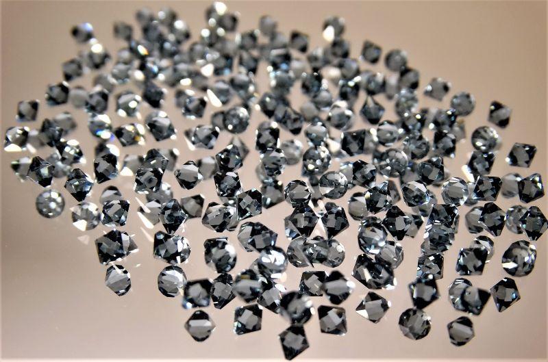 Zirconia Características, resistencia, diferencias con el diamante, usos